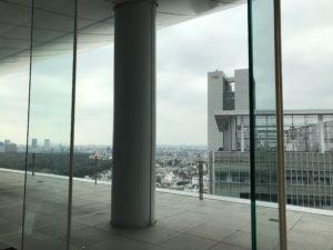 サウスコートラウンジ小田急ホテルセンチュリーサザンタワー20階高層ビルからの景色